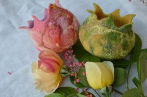 nemeztartó tavaszi színekben