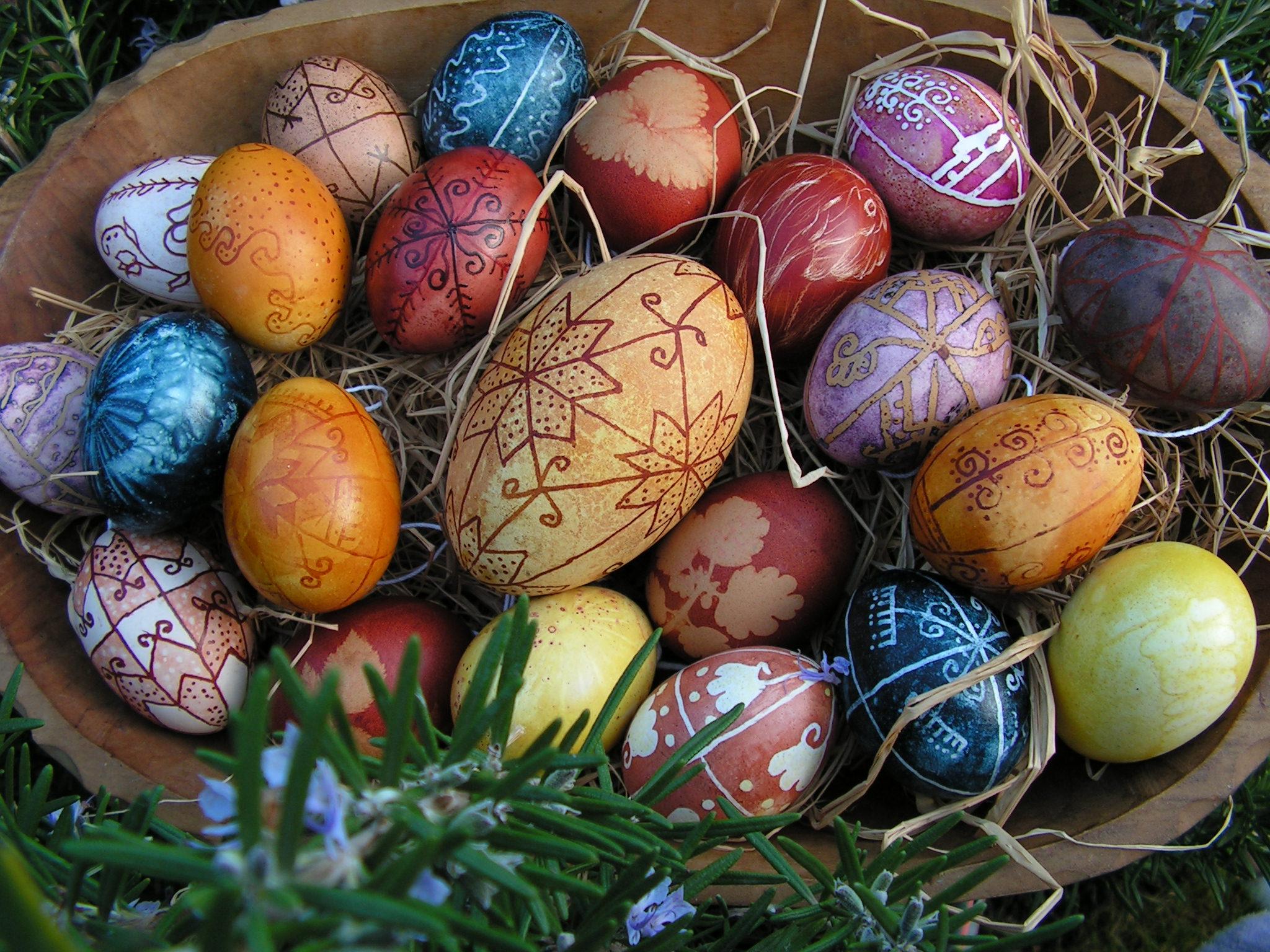 Növényi festett tojások Balla Gemma munkái